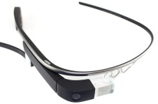 Google_Glass_Official_Wide
